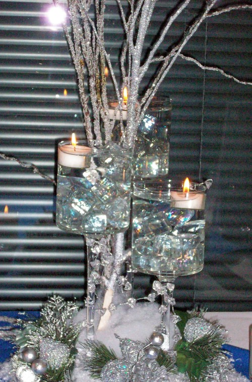 A Wintry Centerpiece by Dee Jackson of Ufloral Design